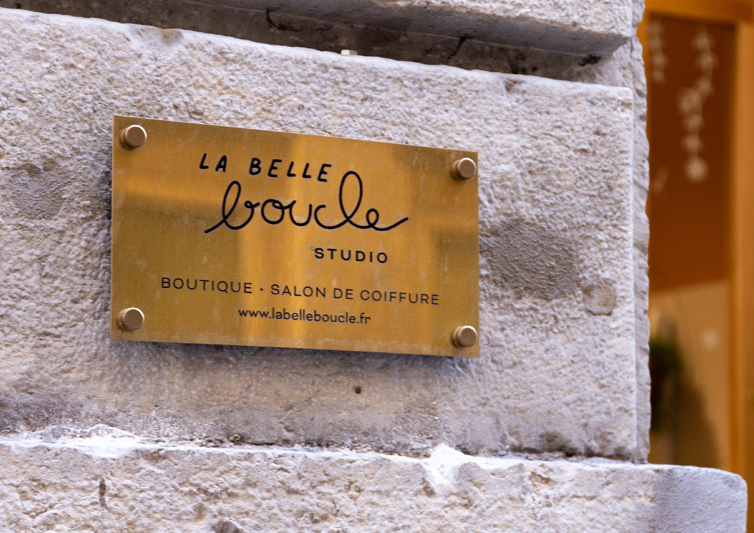 Plaque boutique La Belle Boucle